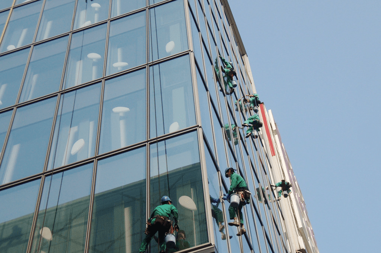 ⑤ガラス清掃実施